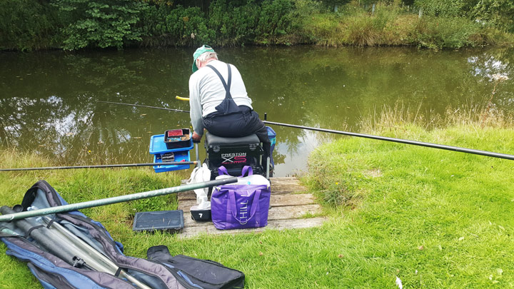 Coarse fishing pool
