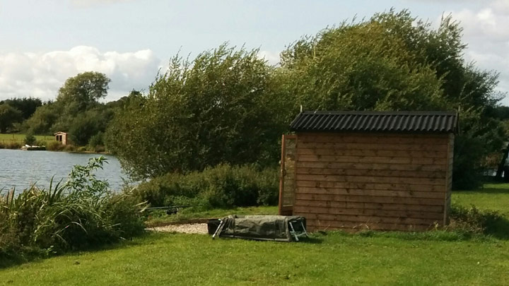 Baden Hall Fishery Quarry fishing hut